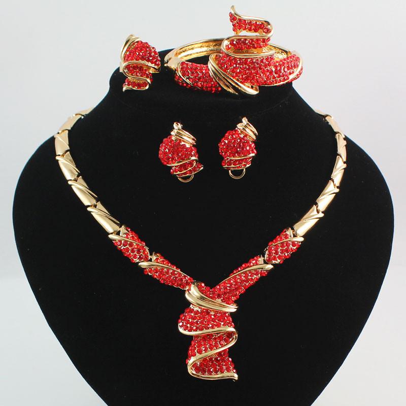 Комплект ювелирных изделий африканские бусы воротник массивное