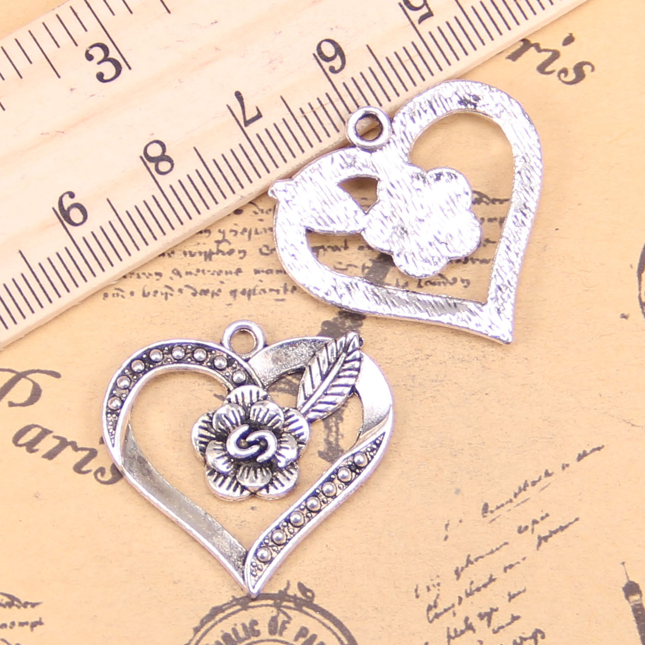 30Pcs 23 x 23mm Tibetan Silver Tree of Life Heart Charm Pendant DIY Makings