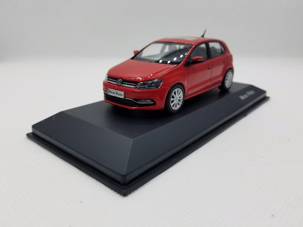 цена на 1:43 Diecast Model for Volkswagen VW New Polo 2014 Red Hatchback Alloy Toy Car Miniature Collection Gifts