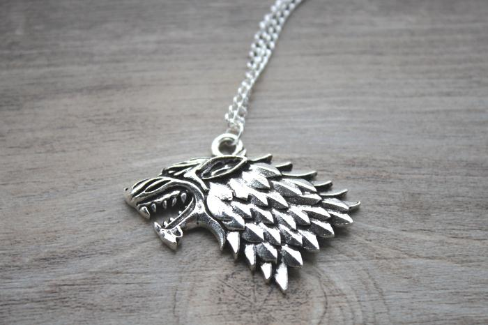 The song of ice and fire Game of Thrones house Stark Wolf Necklace silver tone