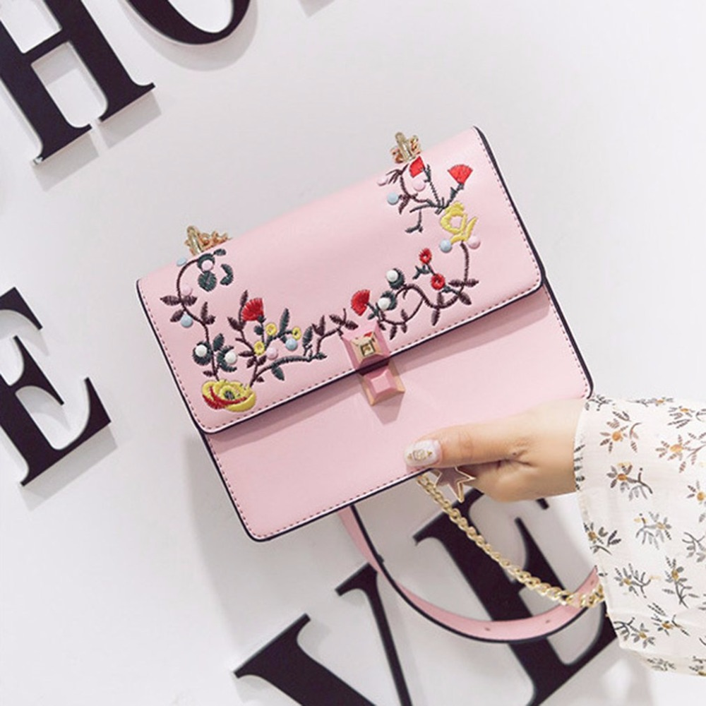 Women Floral Embroidered Shoulder Bag Elegant Embroidery Small Flap Bags Lock Snap PU Leather Woman Crossbody Bag Bolsas yuanyu 2018 new snake skin snake leather women bag single shoulder bag small flap women bags