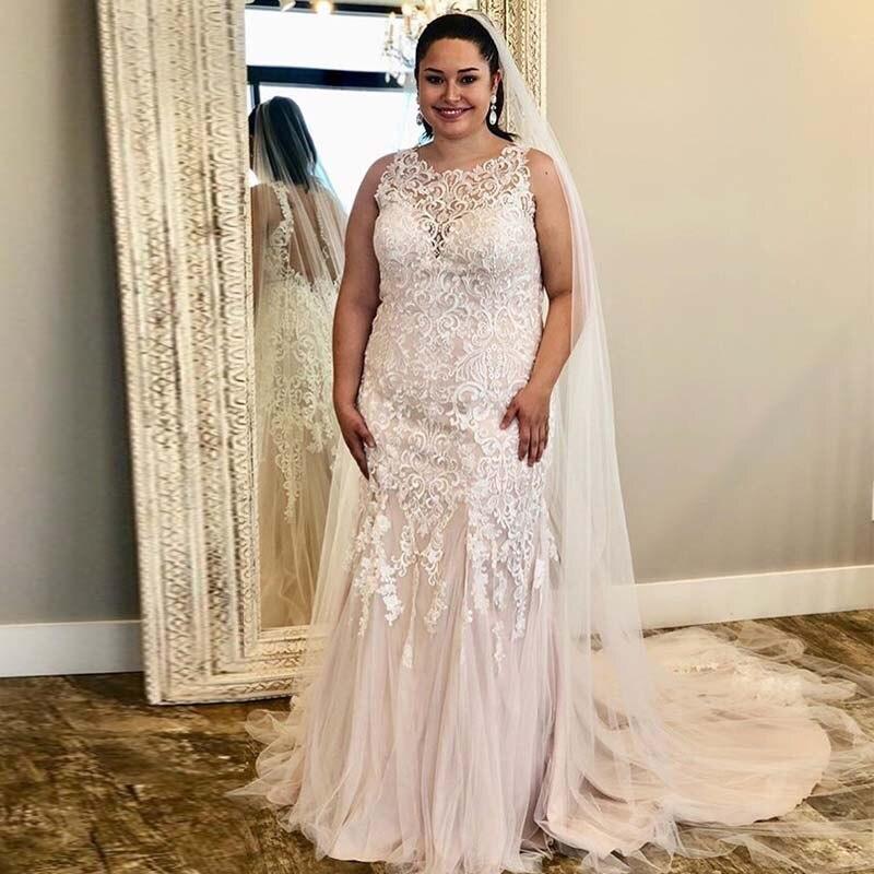 Plus Size Vintage Lace Wedding Dresses Sleeveless White Ivory Vestido De Boda Bridal Dress Illusion Buttons Back Wedding Gowns