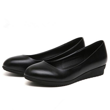 The new Korean work shoes black  dress all-match occupation round hotel
