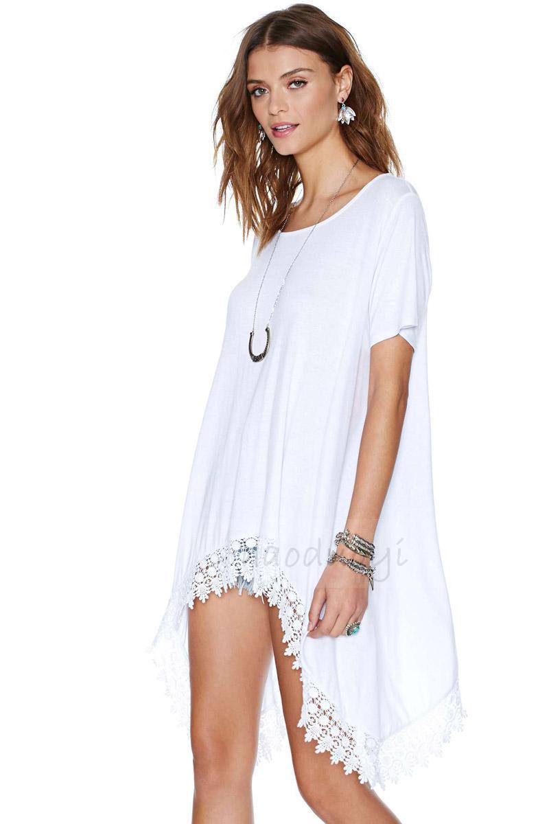 Las nuevas mujeres de ropa blanca O cuello y la asimétrica