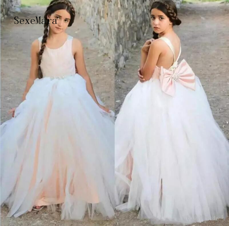 Flower Girls Dresses With Beads Bow Girls Pageant Dress Sexy Back Birthday Dress Kids Communion Gown Pageant DressFlower Girls Dresses With Beads Bow Girls Pageant Dress Sexy Back Birthday Dress Kids Communion Gown Pageant Dress