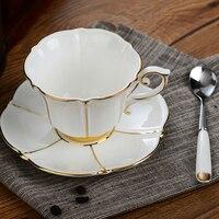 Européenne Blanc Porcelaine Fine Thé Café Tasse Ensemble Élégant Royal Noir Thé Tasses et Soucoupes Prime En Céramique Tasse De Thé Verres cadeaux