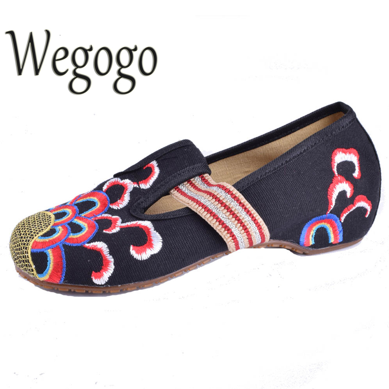 Wegogo Women Embroidery Shoes Flats Slip On Flats Mary Jane Soft Sole Casual Flats Plus Size 41 Beige Black Blue Dance Shoes peacock embroidery women shoes old peking mary jane flat heel denim flats soft sole women dance casual shoes height increase