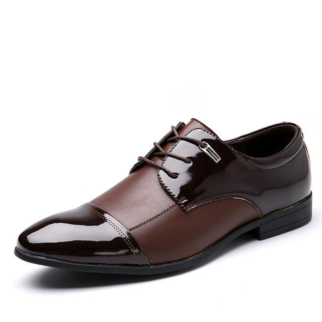 Los hombres Grandes del Tamaño Zapatos de Vestir de Cuero Genuino Informal Mocasines Caliente 2017 British Fashion Low Top Zapatos Para Hombre Sapatos Oxfords Masculinos pisos