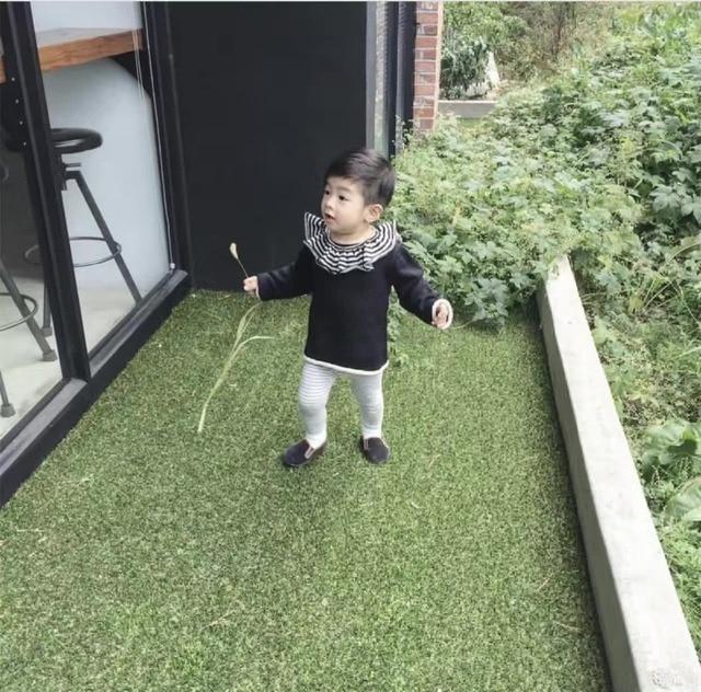 1dd09b8626bd Kids Cute England Sweater Tops Babys Ruffles Collar Knit Tops With ...