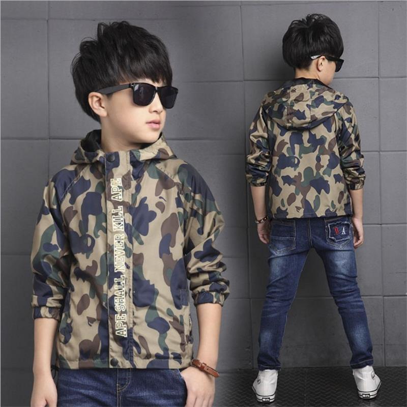 Новые пальто для мальчиков камуфляж Цвет дети Куртки с длинным рукавом с капюшоном ветрозащитный молния детская верхняя одежда камуфляже ...