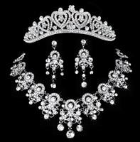 Nuovo strass orecchini della collana tiara set three-piece suit Corona amorevole donna gioielli di lusso tiara festa nuziale accessori
