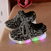 2017 Fashion Colorful Lighted Children Shoes LED Lovely Cool New Brand Cool Kids Sneakers Casual Baby