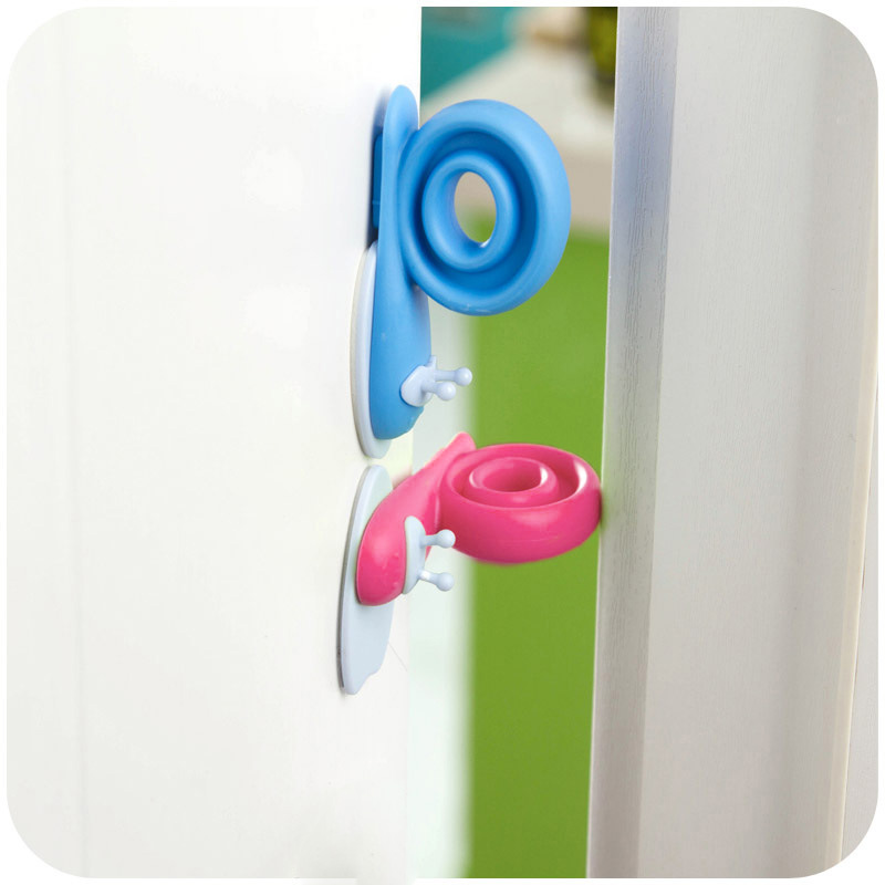 Plastic Baby Safety Gate Door Clip Windproof Rotatable Kids Room Snails Doorstop Infant Cute Safety Protector Doorway the ivory white european super suction wall mounted gate unique smoke door