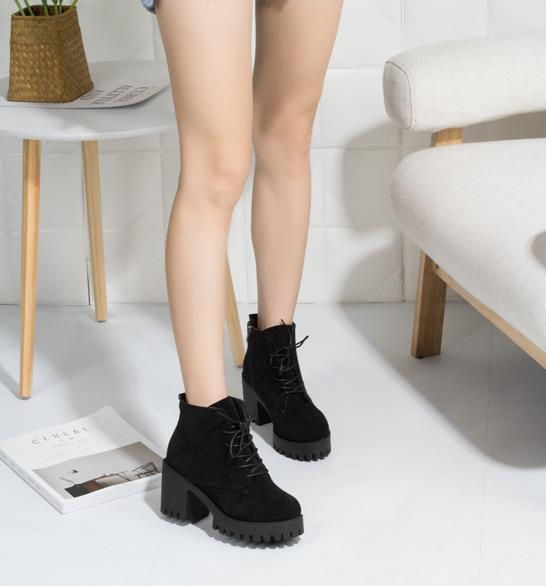 Lace-up thick ankle boots female 2018 Korean version of the new winter plus velvet warm British thin women's boots 3