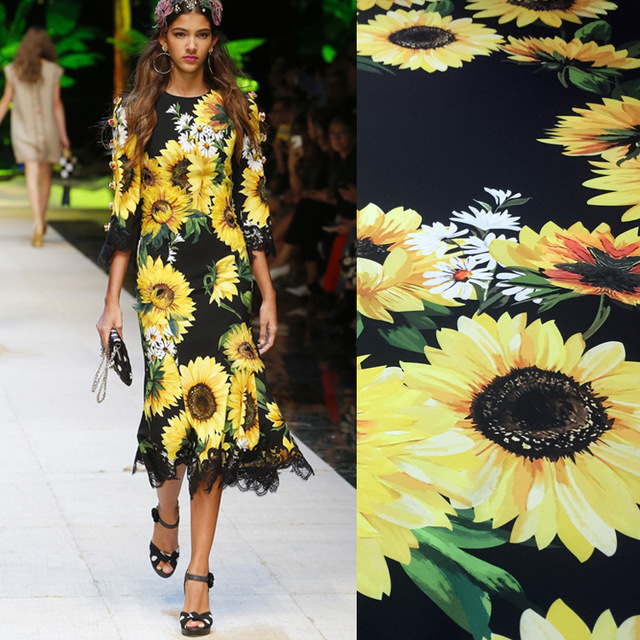 Spring and summer women's digital printing fabrics European and American show field synchronous sunflower flower fashion fabrics