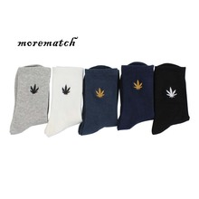 Morematch Men Sock Cotton High Quality Harajuku Maple leaf Embroidery Autumn winter Breathable Hip-hop Style Street Socks
