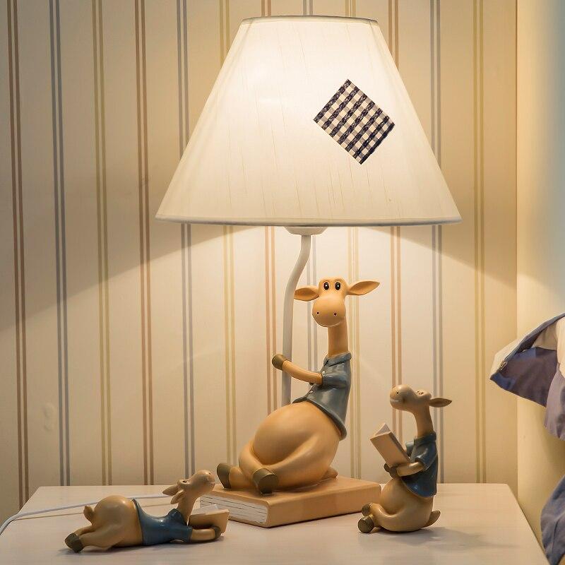 Creatieve Hars Ornamenten Bureaulamp Drie Cartoon Herten Lezen Boeken Leesvoer Zitkamer Dimmer Led Tafellampen