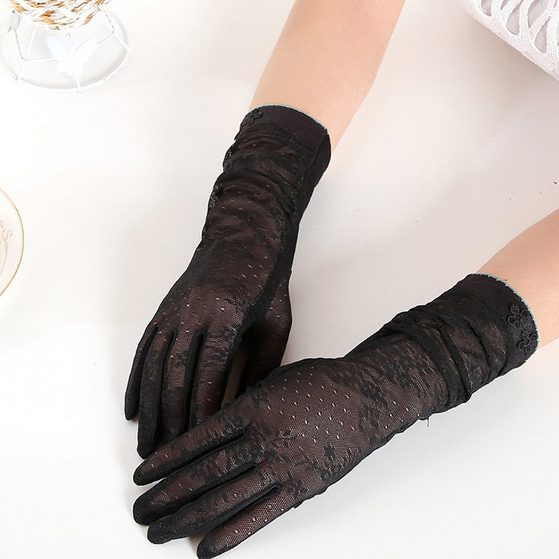 HTB1itYBRFXXXXbIXpXXq6xXFXXXV - Sexy Summer Women UV Sunscreen Short Sun Female Gloves Fashion Ice Silk Lace Driving Of Thin Touch Screen Lady Gloves G02E