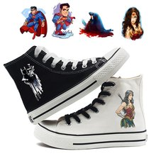 Liga de la justicia Batman Wonder Woman Superman Impresión de dibujos animados alto transpirable lona Uppers zapatillas de deporte Universidad moda hombres(China)