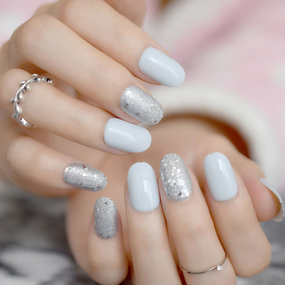 Full Cover Light Grey Short Fake Nails Shimmer Glitter Oval Press On ...