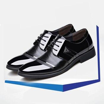 Handlu buty człowiek formalne krawat skórzane buty męskie Top duży kod buty ślubne wentylacji konferencyjne skórzane buty męskie płaskie
