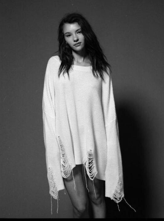 ⊹2018 tamaño libre suéteres de color blanco moda agujero invierno ...