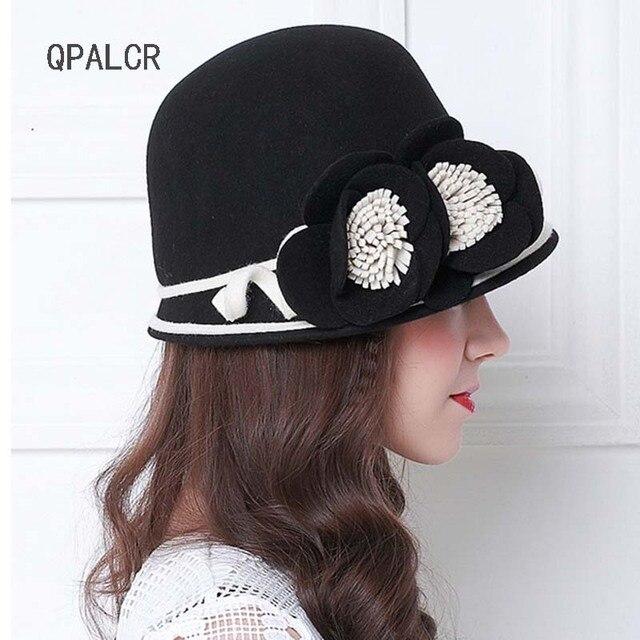 b6366f73e3fc6 QPALCR femenina primavera 2018 Australia lana Floral para mujer sombreros  de fieltro francés Bowler Sombrero Fedora