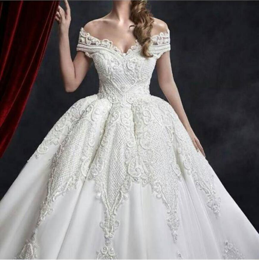 Amazing V neck Wedding Dress 2018 Pearls Beading Crystal Sparkling Bridal Gown Ball Gown Custom Made Wedding Dresses