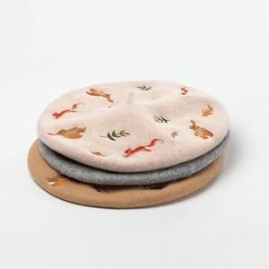 Image 3 - Cokk Tay Thêu Thỏ Sóc 100% Len Mũ Nồi Mũ Nón Nữ Họa Sĩ Bộ Đội Nữ Thu Đông Baret Trai Nón Nữ Thiết Kế