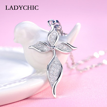 LADYCHIC Fashion Silver Color Women Pendant Necklace Dainty Leaf Shape Crystal Chain for Female Party Jewelry Wholesale LN1011