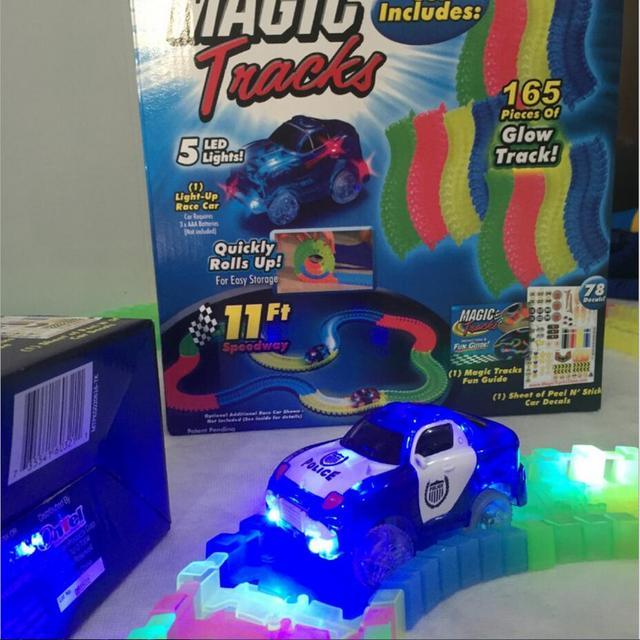 Magic tracks Magic whirling gyroscopic tracks / magic magnetic gyroscopic Colorful Flashing light-emitting toys for children