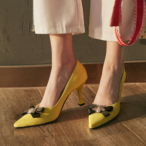 Image 5 - BeckyWalk צהוב/שחור Stilleto אביב נשים נעלי הבוהן מחודדת גבירותיי משאבות דבורה Bowknot עקבים גבוהים שמלת נעלי אישה WSH2630