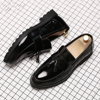 italian brand designer men casual business wedding formal dress bright patent leather shoes slip on lazy driving oxfords loafers LAISUMK Classic Black Patent Leather Wedding Shoes Mens Wingtip Slip-On Loafers Tassel Fringe Formal Dress Shoes