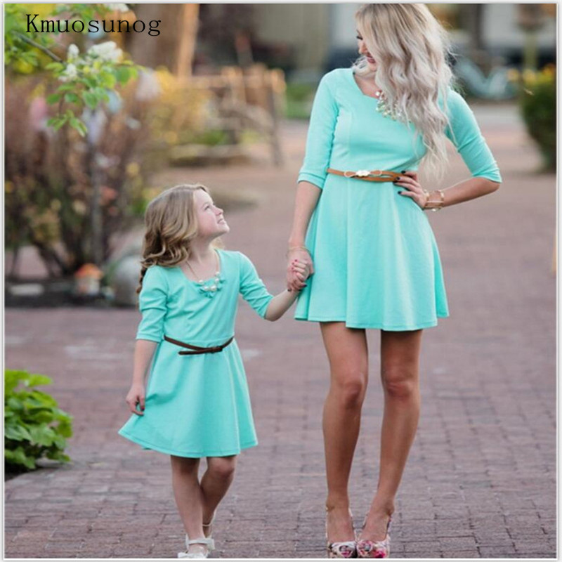 2019 Mother Daughter Dresses Family Matching Clothes Floral Print Pleated Evening Outfit Baby Giral And Mom Vintage Dress C0236