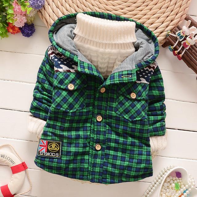 Capa del muchacho del niño de tamaño pequeño y mediano para niños chaqueta gruesa chaqueta de la camisa al por mayor disponible
