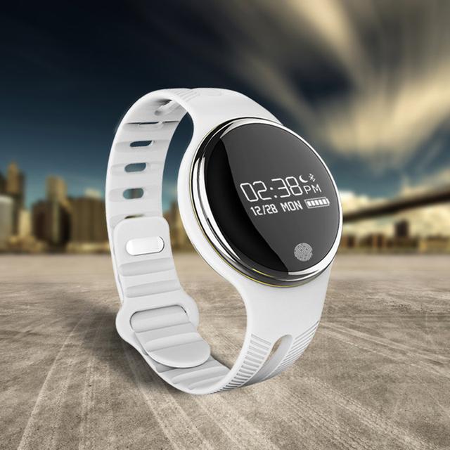 E07 4.0 Esportes Do Bluetooth Inteligente Pulseira Pedômetro Rastreador De Fitness Smartband Lembrete de Chamada para Telefones Android iOS