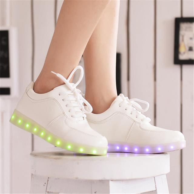 Women casual led shoes for adults 2018 hot colorful pu leather sneakers women shoes led luminous shoes woman tenis feminino стоимость