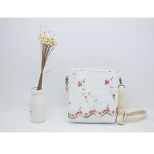 Angelatracy 2018 New Hot Lady Fresh Vintage Embroidery Floral Flower Zipper Women Shoulder Messenger Crossbody Flap Storage Bag new 2018 floral embroidery women bags hot england style multi use lady shoulder