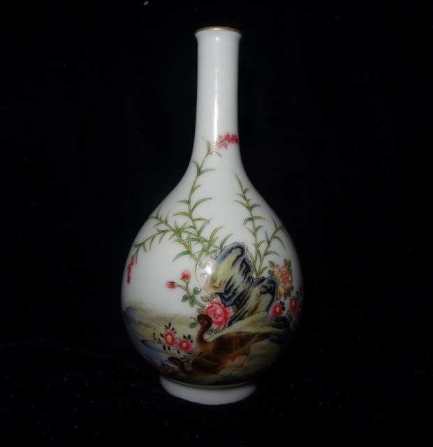 Qing Dynasty Yongzheng Enamel Porcelain Flowers And Birds Painting