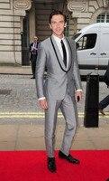 Ultimo Cappotto Mutanda Disegni Silver Grey Scialle Risvolto Trim Personalizzata Slim Fit Sposo Red Carpet Abiti Da Sposa Per Uomo 2 Pezzi Terno U10