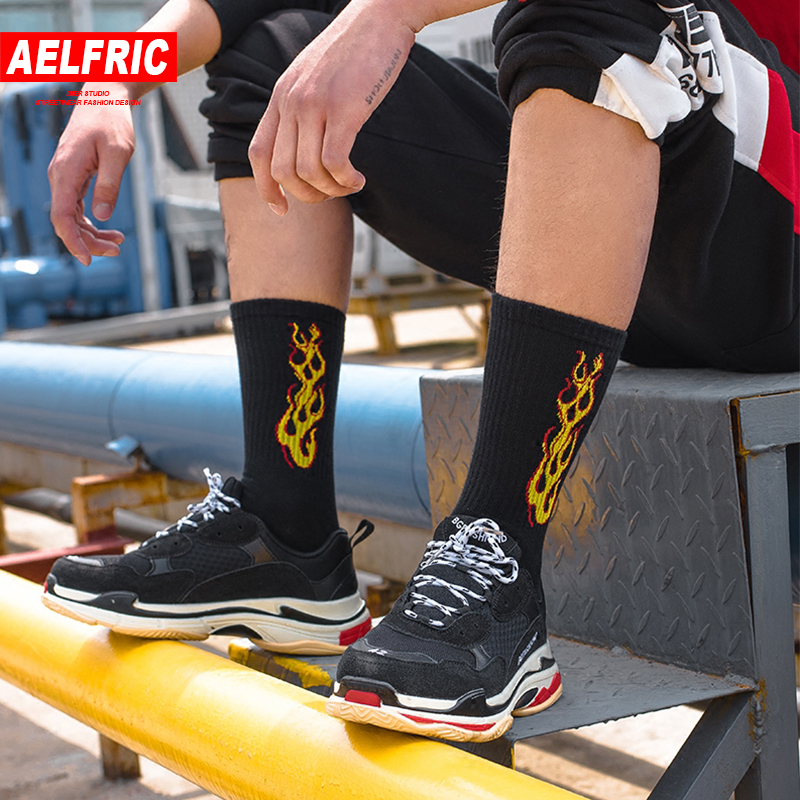 AELFRIC Original Fire Flame Socks Men Crew Fashion Skateboard Socks Cotton Harajuku Hip Hop White Black Tide Casual Socks Ae027