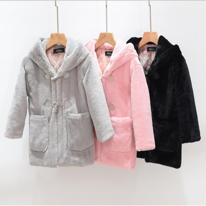 A-1002 new Fashion children female Faux rabbit fur Coat and imitation Big horn Button Plush coat Winter Girl Clothes перро ш андерсен х сказки красной шапочки
