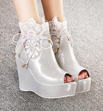Fashion Y Embroidery Lace Wedding Shoes Summer Boots Open Toe Wedge Silver White Black Free