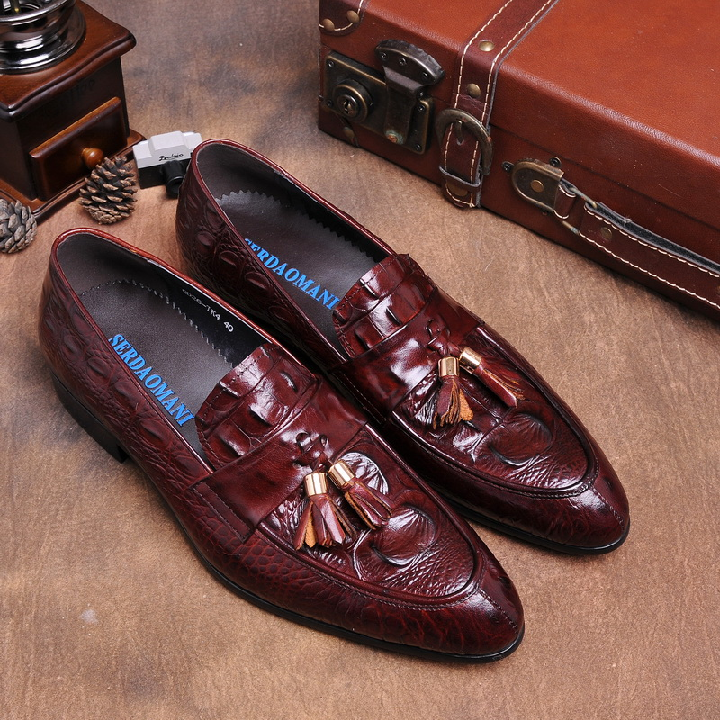 Crocodile grain black / brown tan summer loafers mens dress shoes genuine leather casual shoes mens wedding shoes with tassel crocodile grain brown tan black loafers mens dress shoes genuine leather wedding shoes mens casual business shoes