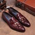 Grano del cocodrilo negro/marrón bronceado de verano mocasines para hombre zapatos de vestir de cuero genuino zapatos casuales para hombre zapatos de boda con la borla
