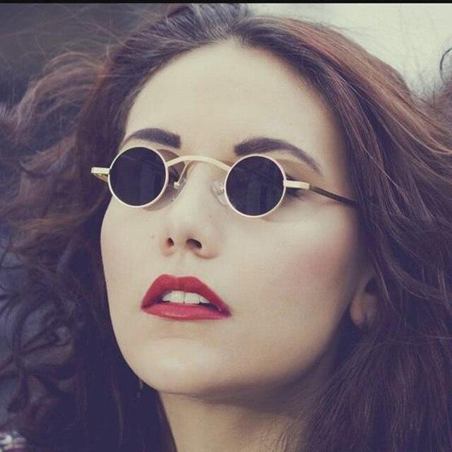 98bb79ae2396c4 2018 Vintage minuscule petit rond lunettes de Soleil Hommes Femmes Marque  Designer Lunettes de Soleil En