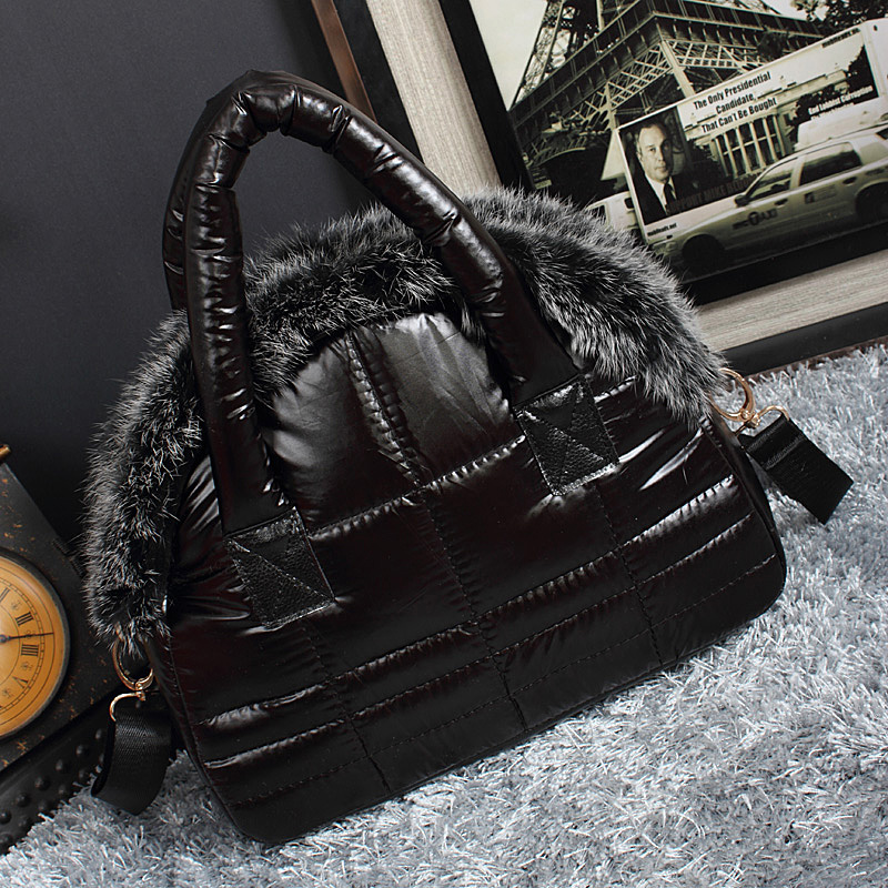 2018 New Luxury Bag Designer Female Rabbit Fur Bag New Winter Down Cotton Soft Space Shell Bag Ladies Shoulder Bag