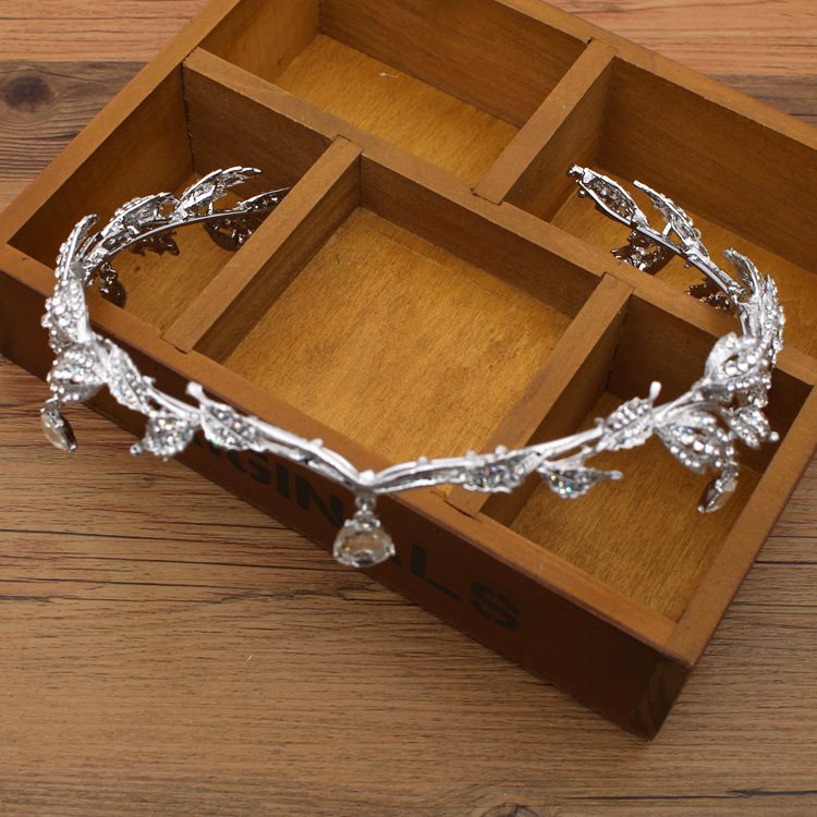 Krone berühmte Marke 3 Stück Kopfbedeckung + Ohrringe + Halskette - Modeschmuck - Foto 3