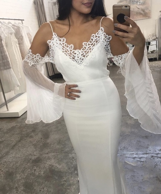 2018 women dress wholesale top quality white flare off shoulder bandage  dress party dress dropshipping 77b7c16e24fa