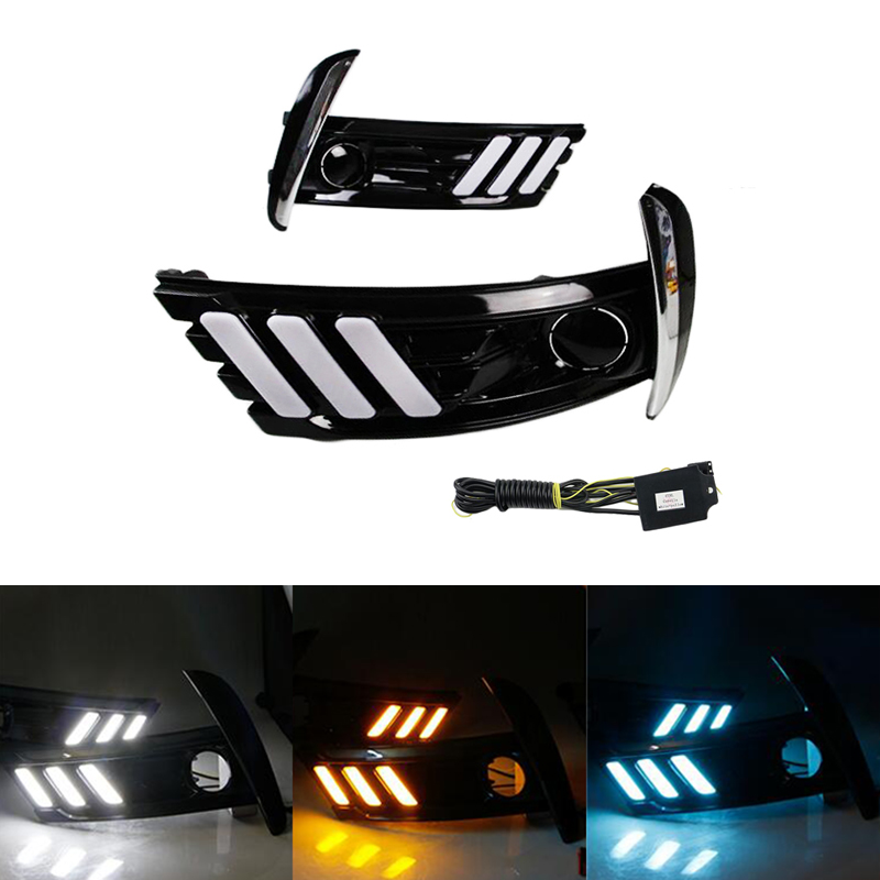 For Toyota Corolla 2017 2018 Car Flashing Fog Lamp Cover Led Daytime Running Lights 12V ABS DRL With Yellow Turn Signal Lights for honda civic 2016 2017 2018 turn signal relay car styling waterproof 12v led car drl daytime running lights fog lamp cover